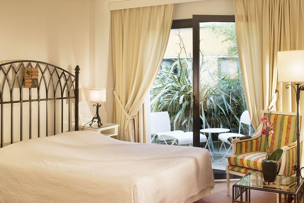 Junior balcony suite - Avignon Grand Hotel