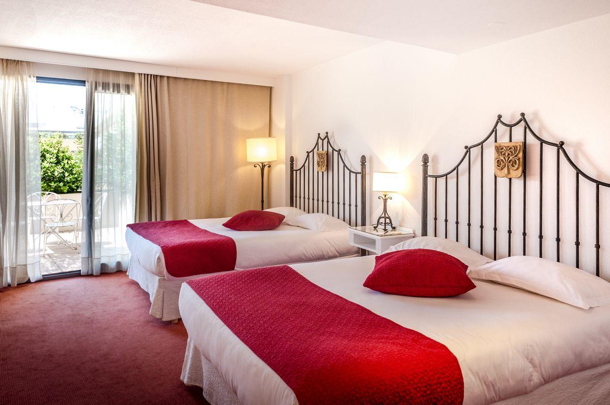Superior room garden view - Hotel Avignon Palais des Papes