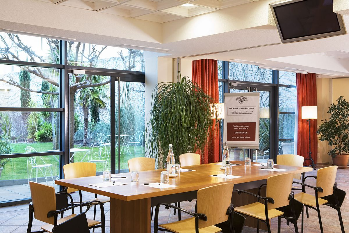 Meeting room Avignon grand hotel 01